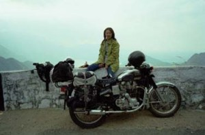 Jan/2000 In India Ooty Motorcycle is ROYAL ENFIELD BULLET 350 Classic バイクはロイヤル-エンフィールド350cc